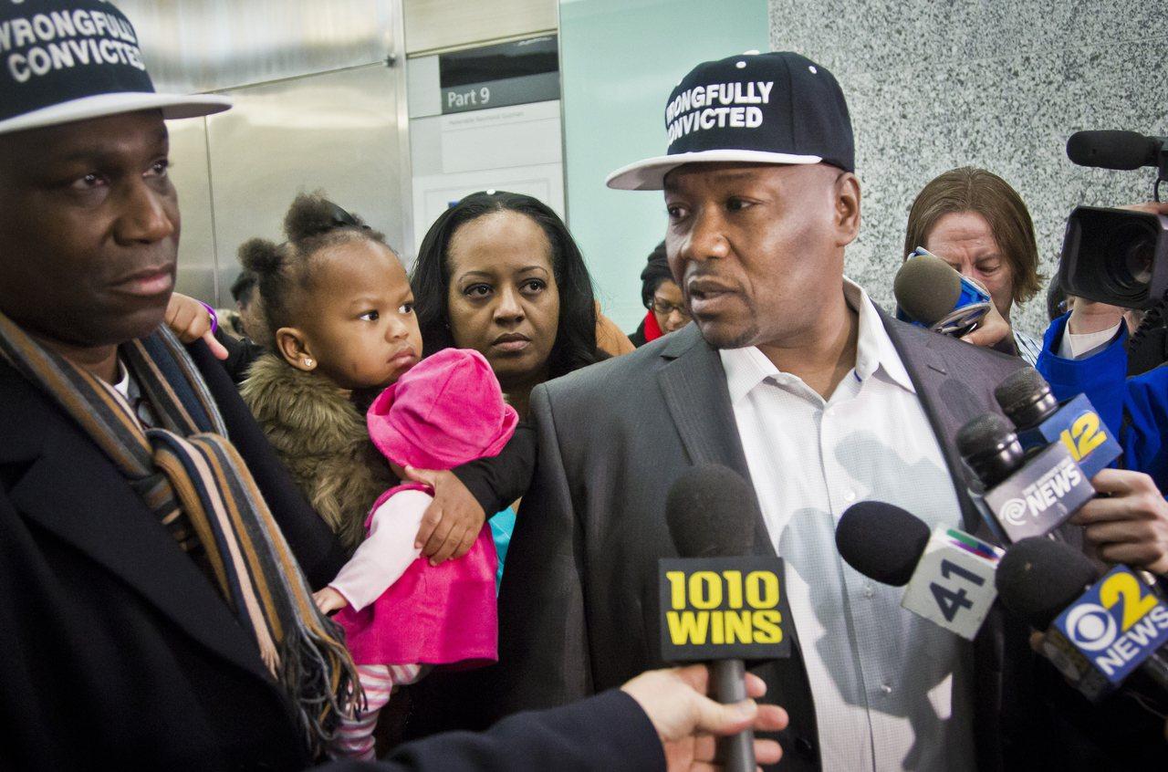 漢米爾頓坐了23年冤獄,獲賠700萬美元(約2.1億台幣)。圖為2015年1月除...