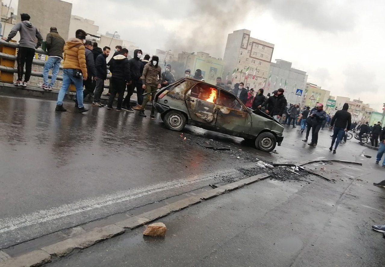 伊朗鎮壓反政府抗議,派狙擊手射殺抗議者。 歐新社