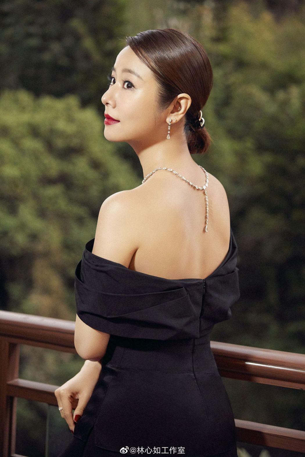 林心如出席金雞百花電影節開幕式的禮服。 圖/擷自林心如工作室微博