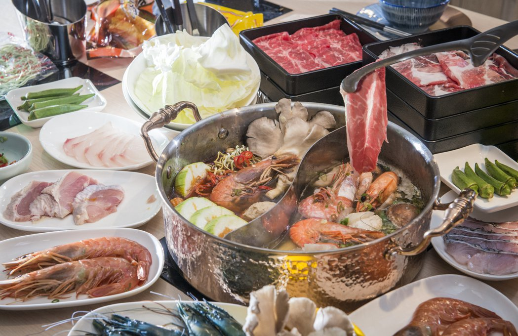 「潮之鍋物SEAPOT」,品牌概念延伸自原有品牌「漢來海港自助餐廳」,以生鮮超市...