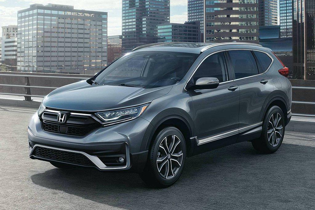 小改款Honda CR-V具備嶄新水箱護罩,搭配新下氣霸造型、新式霧燈與左/右連...