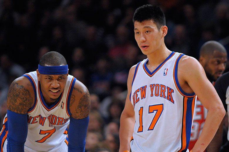 當年林書豪(右)就是趁安東尼(左)受傷之際,打出震驚NBA的林來瘋傳奇,可惜安東...