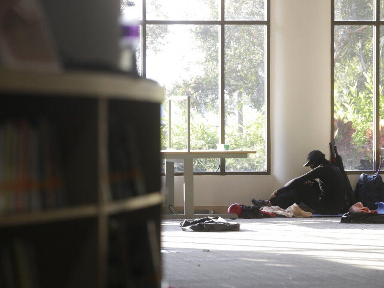 有示威者稱,校內很多留守者情緒崩潰。美聯社