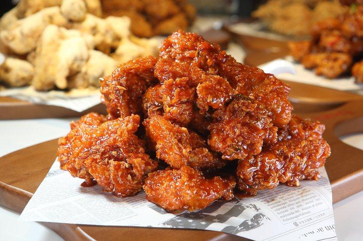 酸甜帶辣的「秘製炸雞」,每份559元。記者陳睿中/攝影