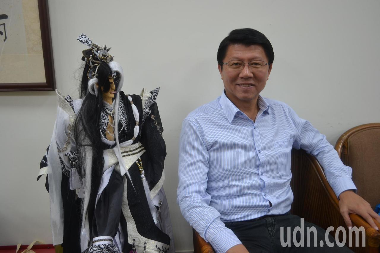 國民黨台南市黨部主委謝龍介認為張善政的隨心而去說法,若是為他抱不平,但不用這樣。...