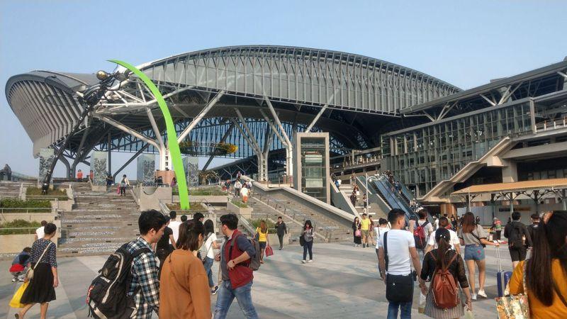 長盧秀燕今天宣布,預計明年8月打通大智路。建商認為,接連台中車站前後站,有助於東區、中區翻轉,帶動地方繁榮。記者趙容萱/攝影