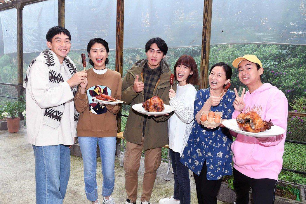 林鶴軒(右起)、謝瓊煖、孫可芳、宋柏緯、陳璇、王可元拍攝新戲「若是一個人」,華視...