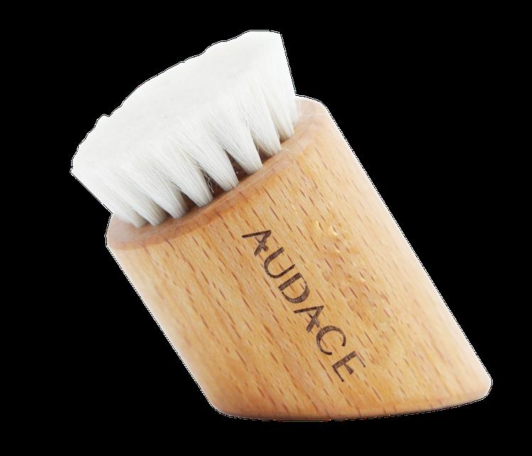 AUDACE奧達士 臉部煥膚塑顏刷。圖/奧達士提供