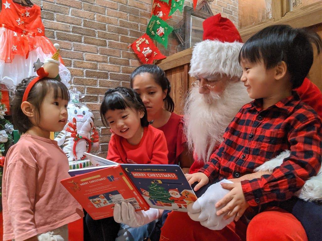 六福村邀來重量級國際巨星北極特派耶誕老人駐村。圖/六福村提供