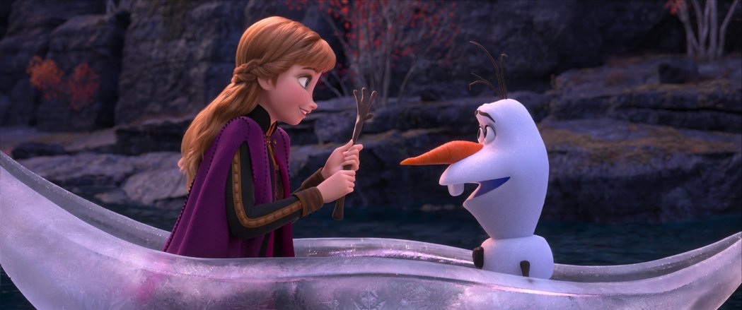 「冰雪奇緣2」安娜與雪寶除了幽默對手戲外也有感人的段落。圖/迪士尼提供