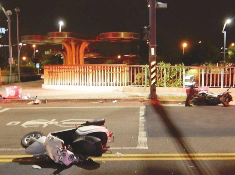 兩名外送員廿日在台中市黎明路、僑大三街口相撞,均送醫救治。記者陳宏睿/翻攝