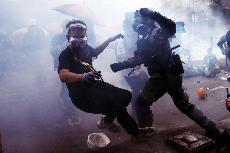 香港反送中運動已逾五個月,警民衝突不斷。(路透)