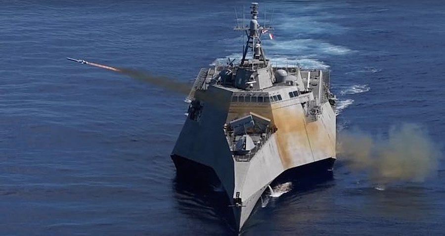 美中關係緊張之際,美國海軍軍艦本周在南海爭議海域執行兩起「自由航行」任務。圖為美...