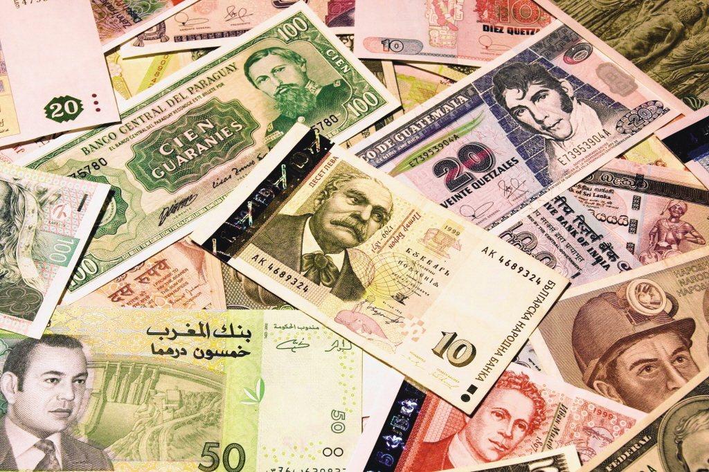 新興市場貨幣強勁,且挾三大利多,將有助於第4季重拾向上契機,建議投資人逢低加碼。...