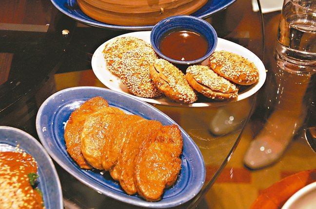 鴨肝也很能融入中國菜裡,饃饃夾鴨肝嘗起來別有風味。 圖/謝忠道