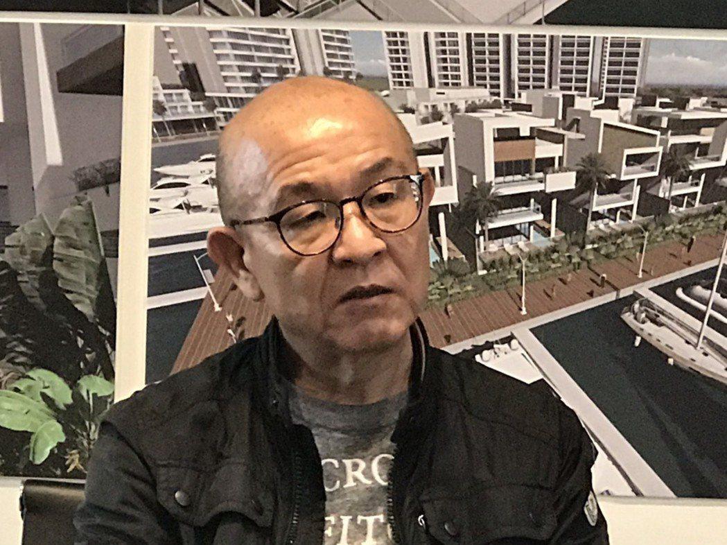 新元藝術集團總經理楊晧君,每年都會親自到歐洲挑選瓷器。 洪紹晏/攝影