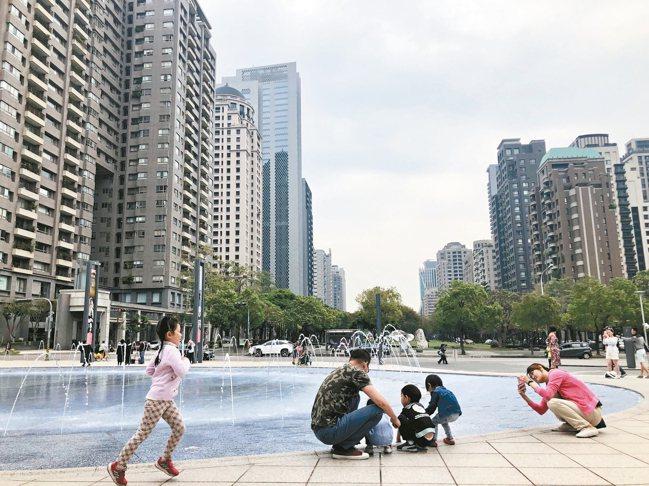 今年第3季六都中古屋房價,相較去年同期全數上漲,台中年增4.6%最多。 本報資料...