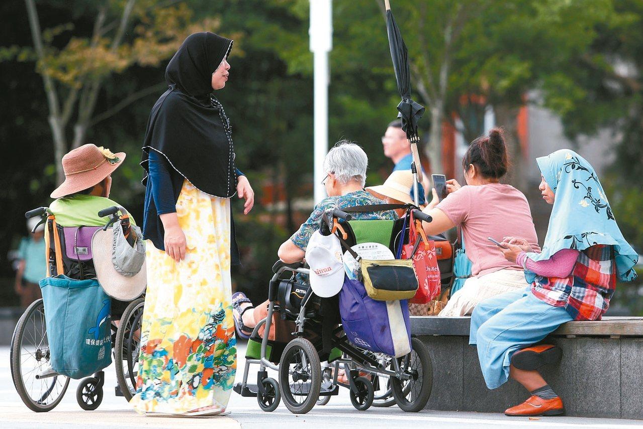 勵馨基金會調查,84%家事移工假日沒有輪替照顧機會。 圖/聯合報系資料照片