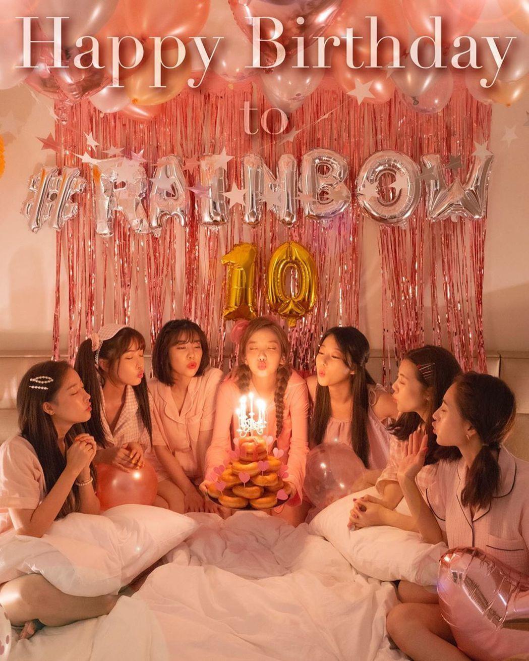 韓國女團RAINBOW今年出道10週年。圖/擷自IG