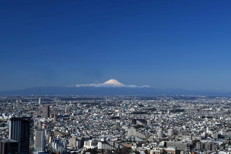 登上Shibuya Sky,天氣好的時候甚至可以看得到富士山。圖/Shibuya...
