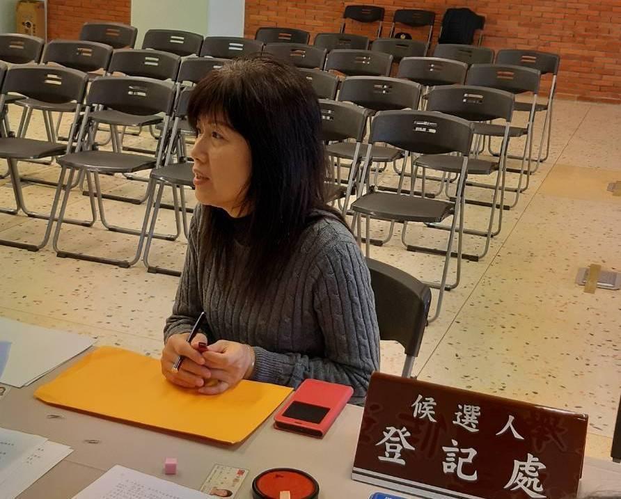 蔡惠玉委託代辦參選登記,讓綠營震驚,後來代理人王小姐接了一通電話,未完成登記又把...
