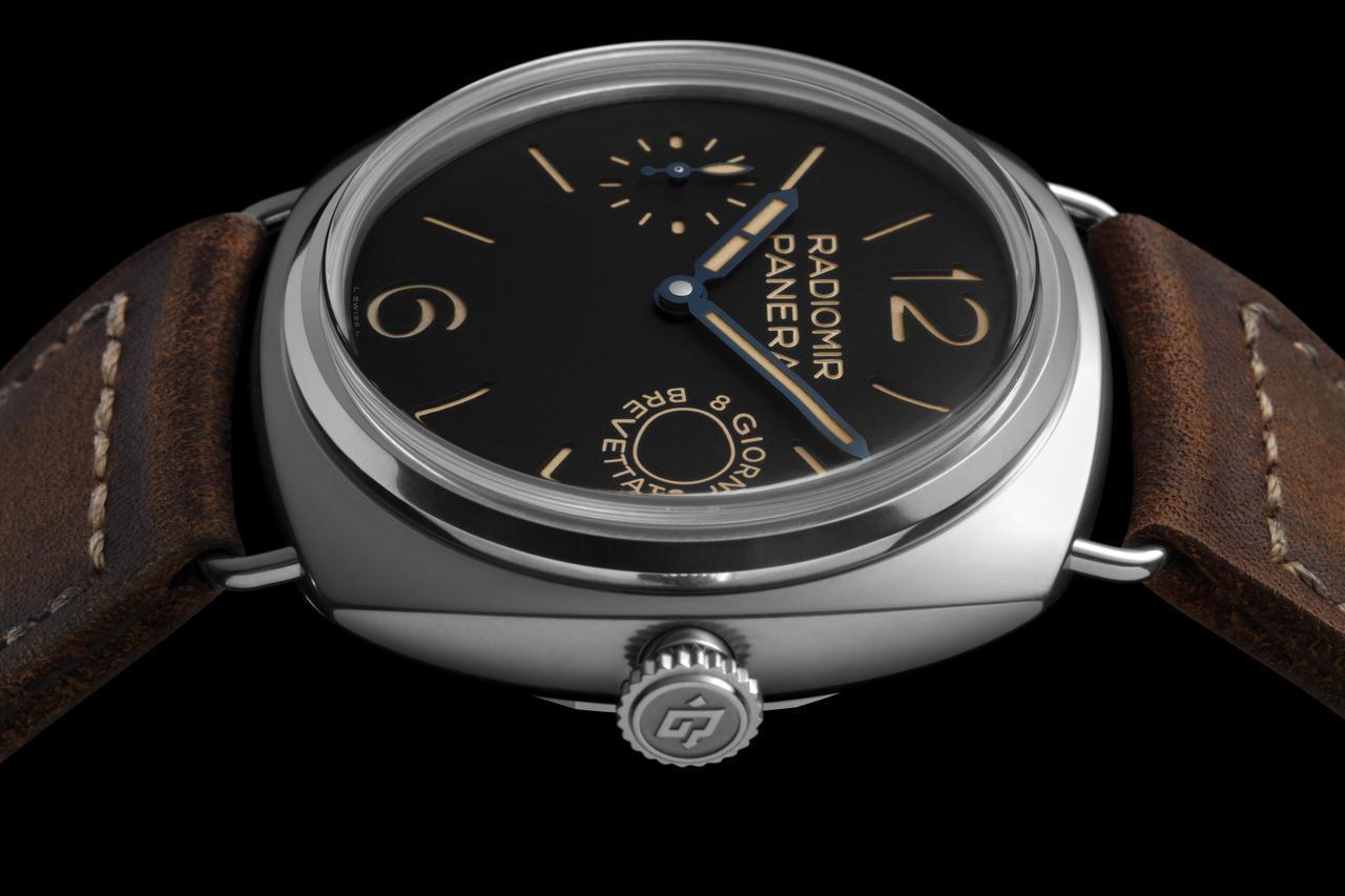 採用弧形藍寶石水晶玻璃鏡面的沛納海Radiomir腕錶 – 45毫米(PAM00...