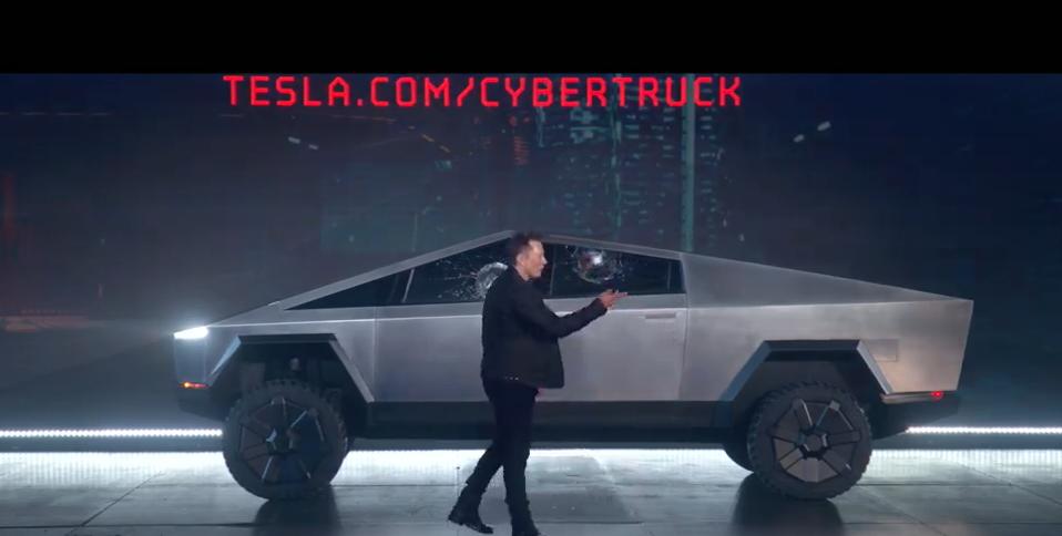 特斯拉發表電動皮卡「Cybertruck」,起價39,900美元(約新台幣122...