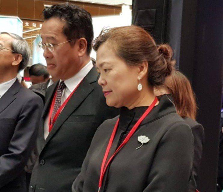 金管會主委顧立雄(左)與經濟部次長王美花夫妻同台。記者戴瑞瑤/攝影