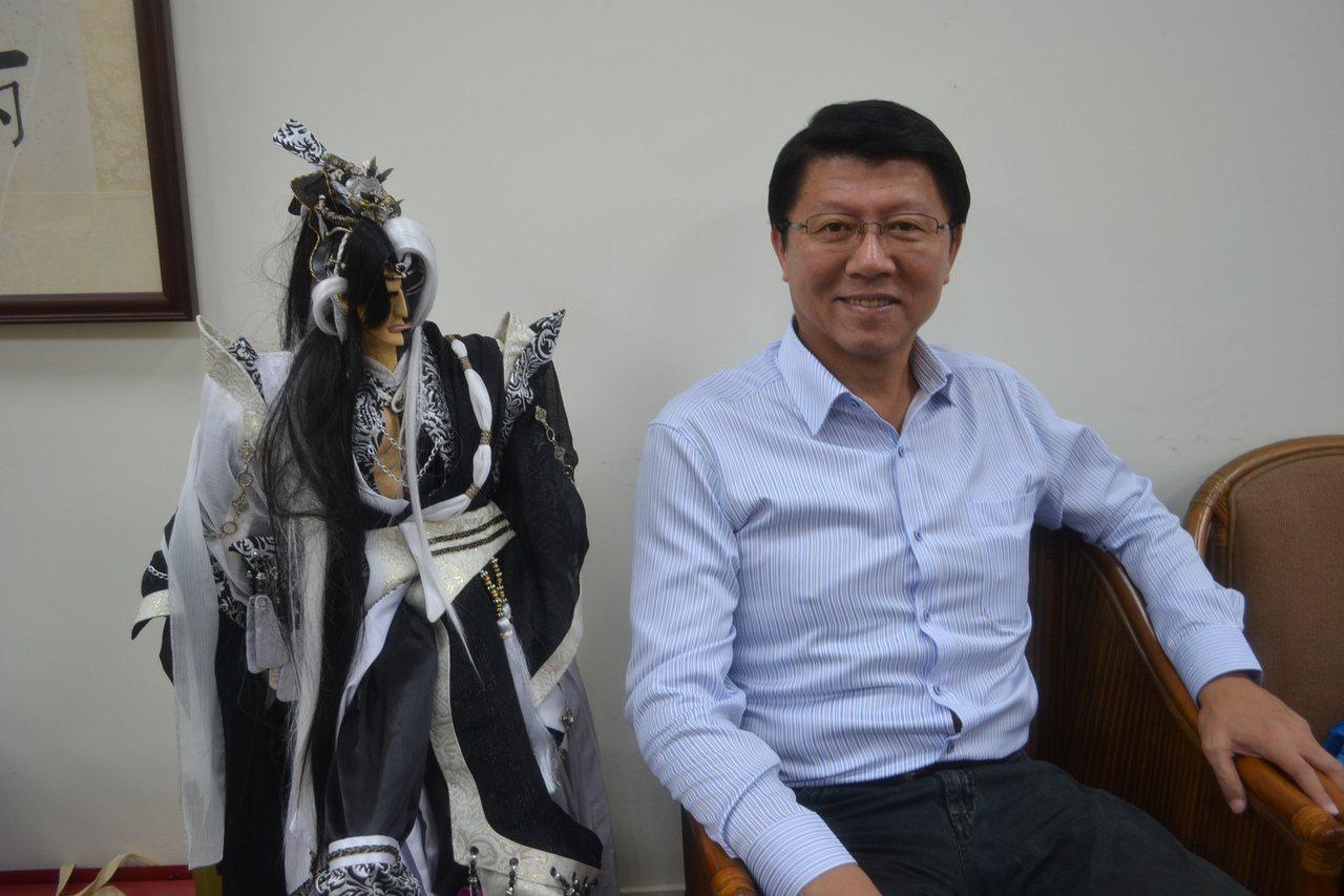 國民黨台南市黨部主委謝龍介分析差六、七趴會贏的原因。記者鄭惠仁/攝影
