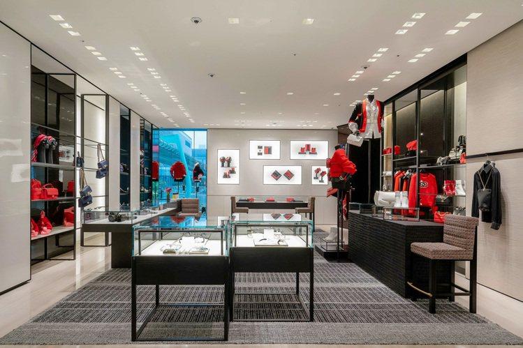 二樓主要展售較多的鞋款、絲巾、眼鏡等配件。圖/香奈兒提供