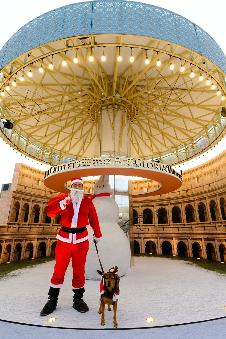 二期羅馬廣場耶誕景緻。圖/華泰名品城提供