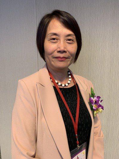 第八屆亞太傷口造口及失禁護理學會會員大會首度於台灣舉辦,台灣傷口造口及失禁護理學會常監于博芮呼籲病友勇於走出家中,接近人群。記者陳雨鑫/攝影