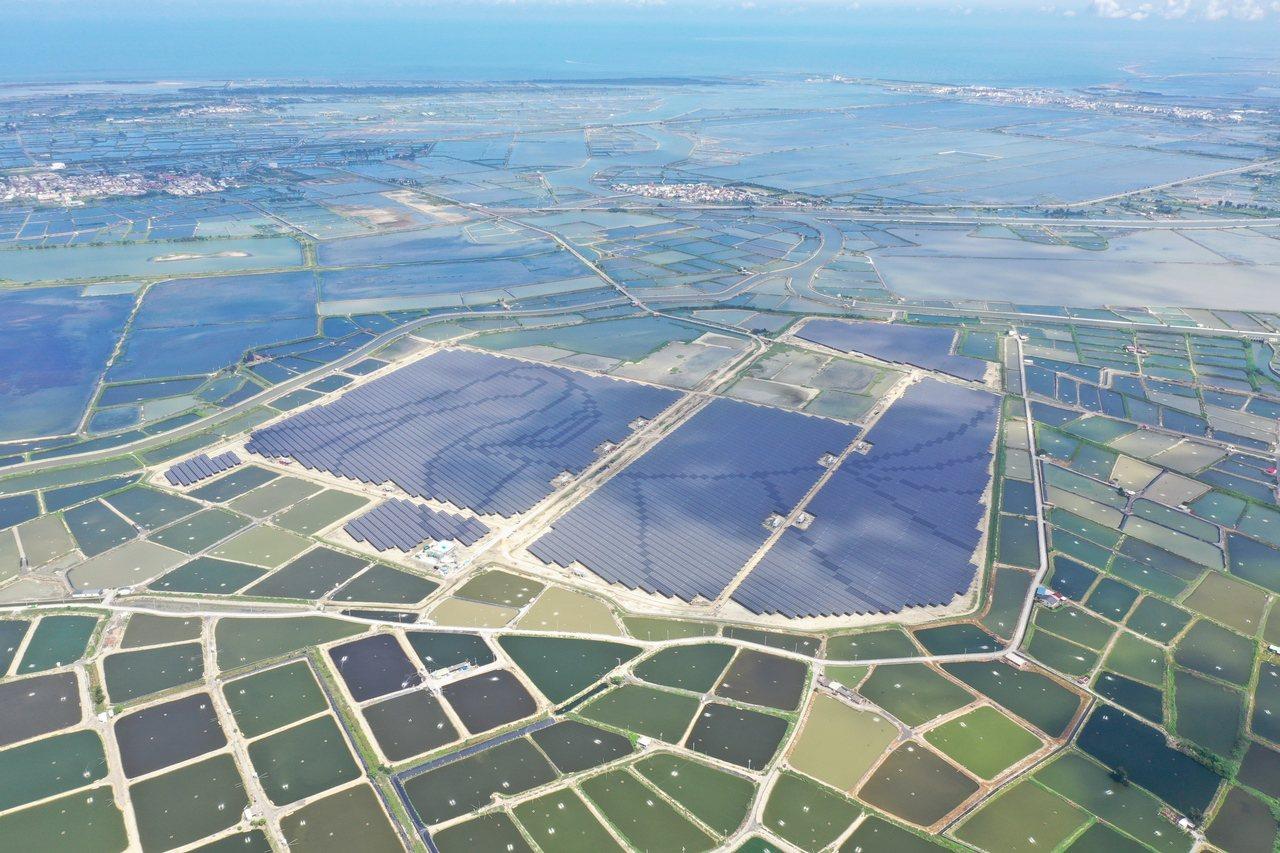 美商韋能能源在嘉義鹽灘地建置70.2MW太陽光電。圖/韋能能源提供