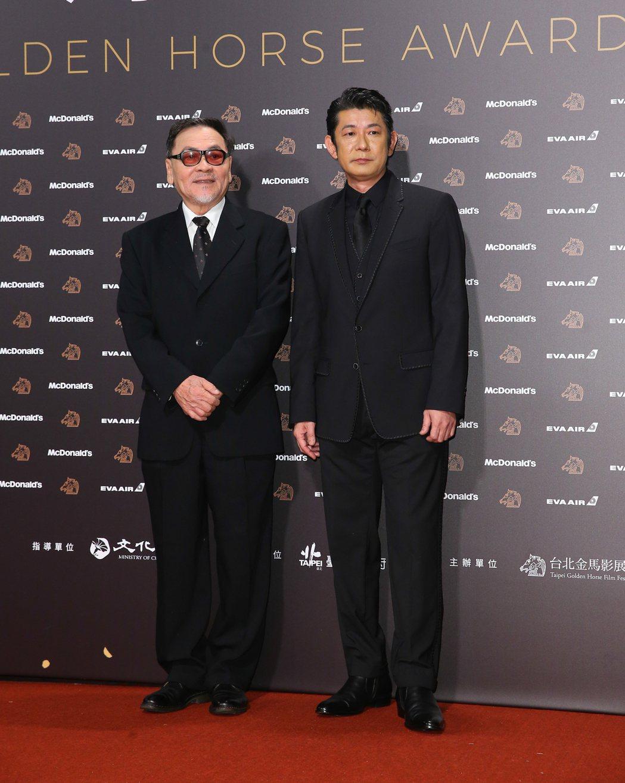 王童(左)、永瀨正敏(右)走金馬56星光大道。記者余承翰/攝影
