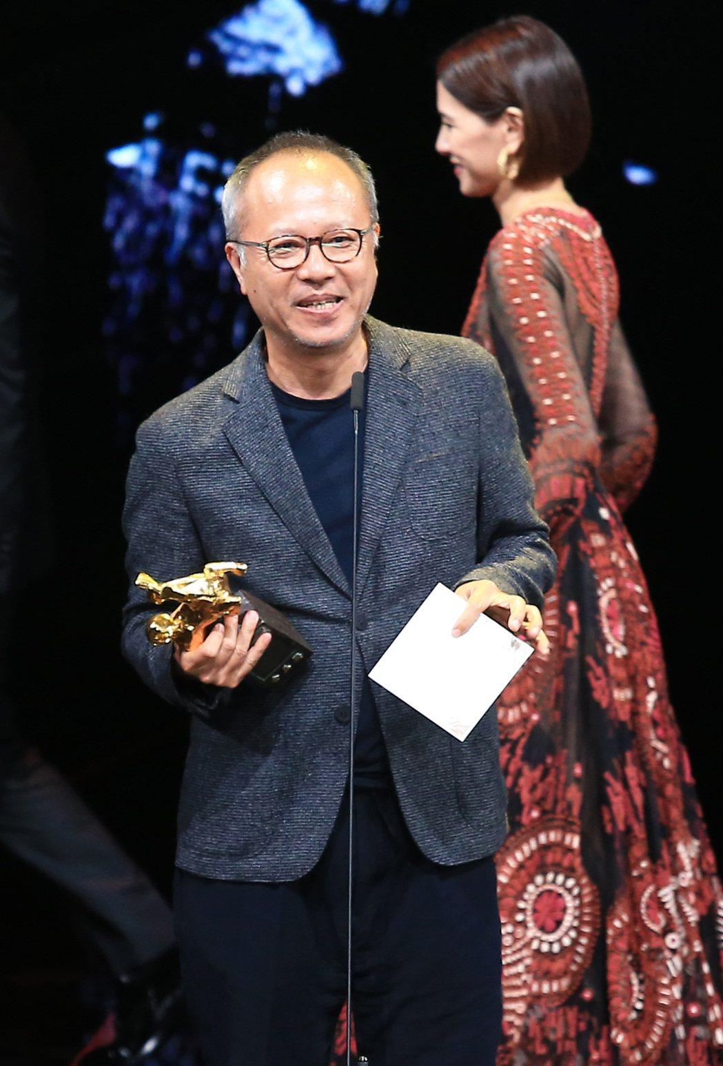 第56屆金馬獎頒獎典禮,鍾孟宏以陽光普照獲頒最佳導演獎。記者林伯東/攝影