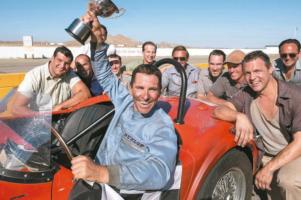 克里斯汀貝爾在「賽道狂人」演出經典賽車手肯邁爾斯。 圖/福斯提供