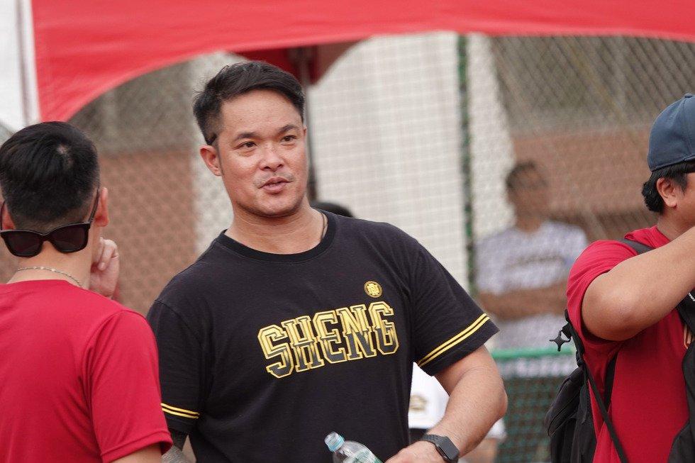 中職中信兄弟隊野手林智勝23日表示,目前新球季合約狀況還不確定,但已開始自主訓練...