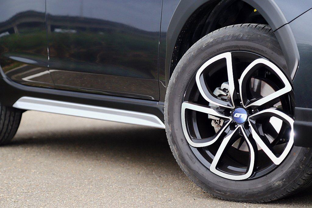 Subaru XV GT Edition側裙不僅相同增加霧銀飾板,18吋GT E...