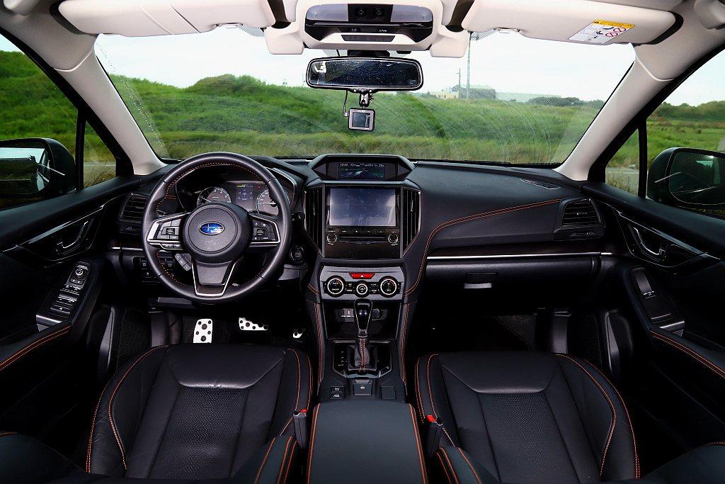 Subaru XV GT Edition內裝方面如黑色皮革橘色縫線座椅、方向盤換...