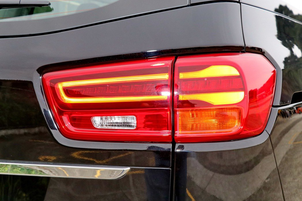 LED尾燈是車尾的造型亮點。 記者陳威任/攝影