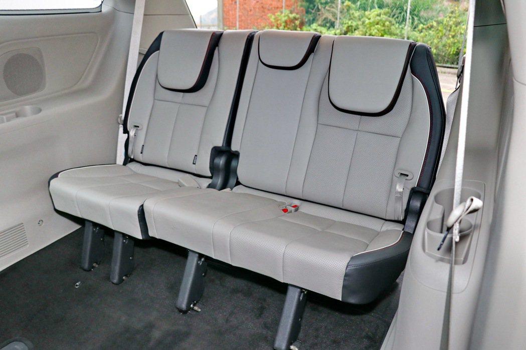第三排座椅舒適度算是不錯。 記者陳威任/攝影