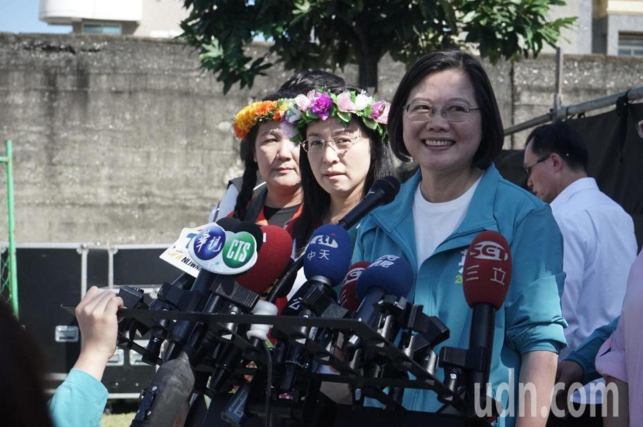 總統蔡英文今天對大陸間諜投誠揭露影響台灣選舉時說,每次重要選舉都有中國介入的影子。記者王燕華/攝影