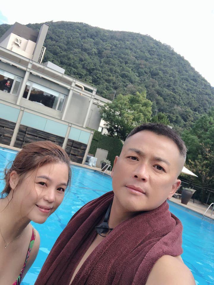 江宏恩(右)休假時喜歡和老婆從事戶外運動。圖/艾迪昇傳播提供