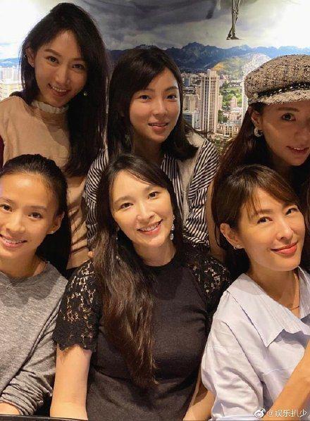 吳佩慈參加朋友聚會,卻遭網友毒舌「變老了」。圖/摘自微博