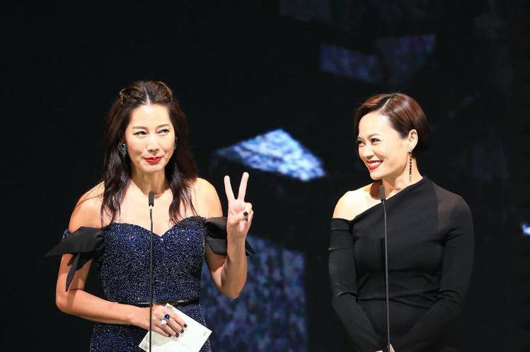 第56屆金馬獎頒獎典禮,丁寧與楊雁雁頒發最佳原著劇本獎與最佳男配角獎。