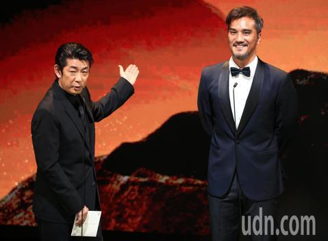 第56屆金馬獎頒獎典禮,永瀨正敏與馬志翔頒發最佳改編劇本獎與最佳女配角獎。