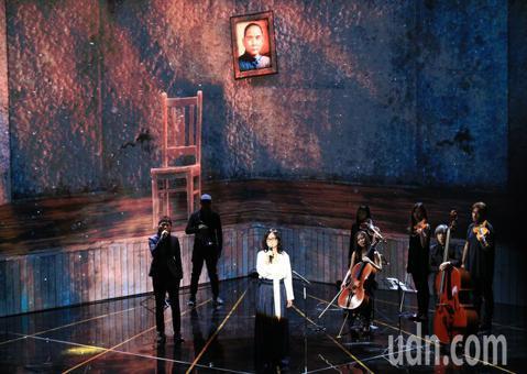 雷光夏獻唱電影「返校」主題曲「光明之日」。
