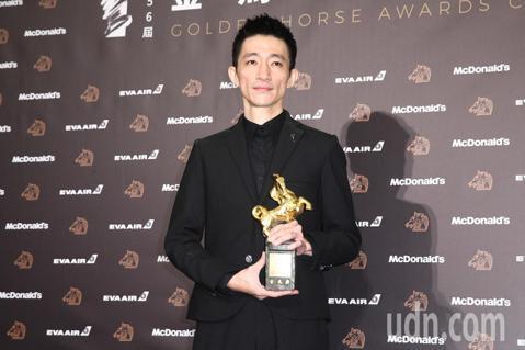 第56屆金馬獎頒獎典禮,「返校」徐漢強獲得最佳新導演。