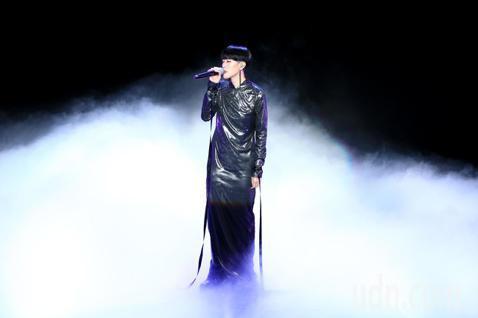第56屆金馬獎頒獎典禮,陳珊妮演唱入圍最佳原創電影歌曲的灼人秘密《灼人秘密》。