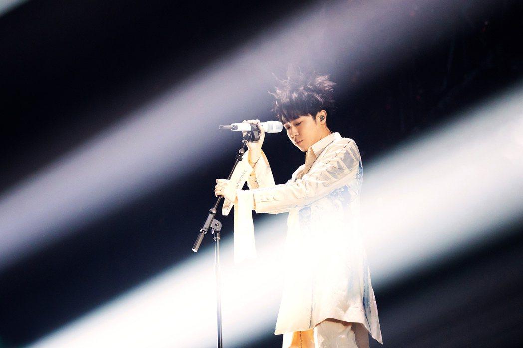 吳青峰展開「太空備忘記」巡演。圖/環球提供